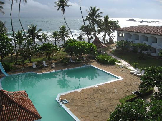 Басейн отеля Lanka Supercorals 2* (Ланка Суперкоралс)
