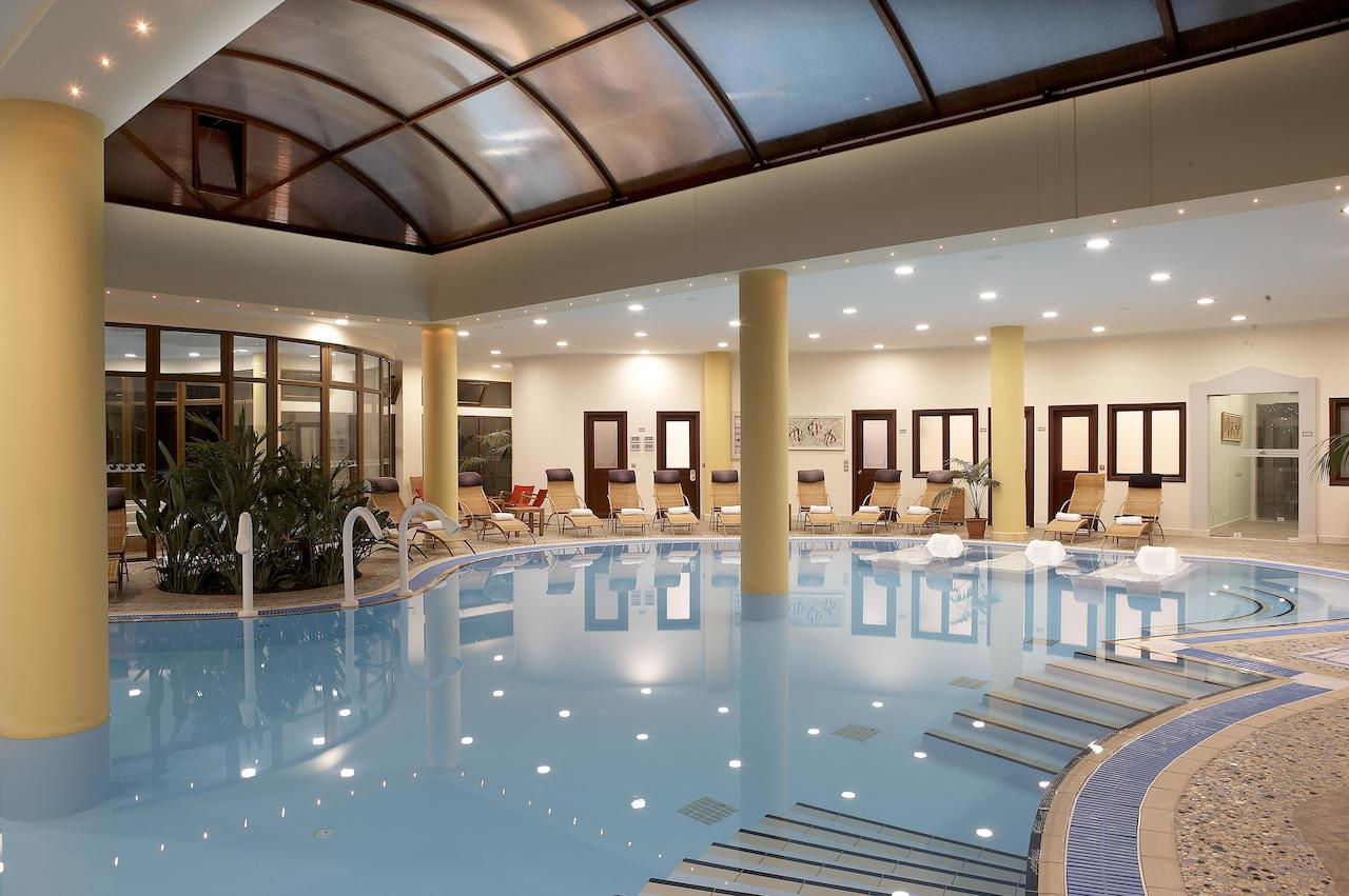 Крытый бассейн отеля Atrium Palace Thalasso Spa Resort & Villas 5*  (Атриум Палас)