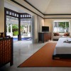 Beachfront Pool Villa Bedroom отеля Banyan Tree Resort & Spa 5*  (Банян Три Резорт Энд Спа)