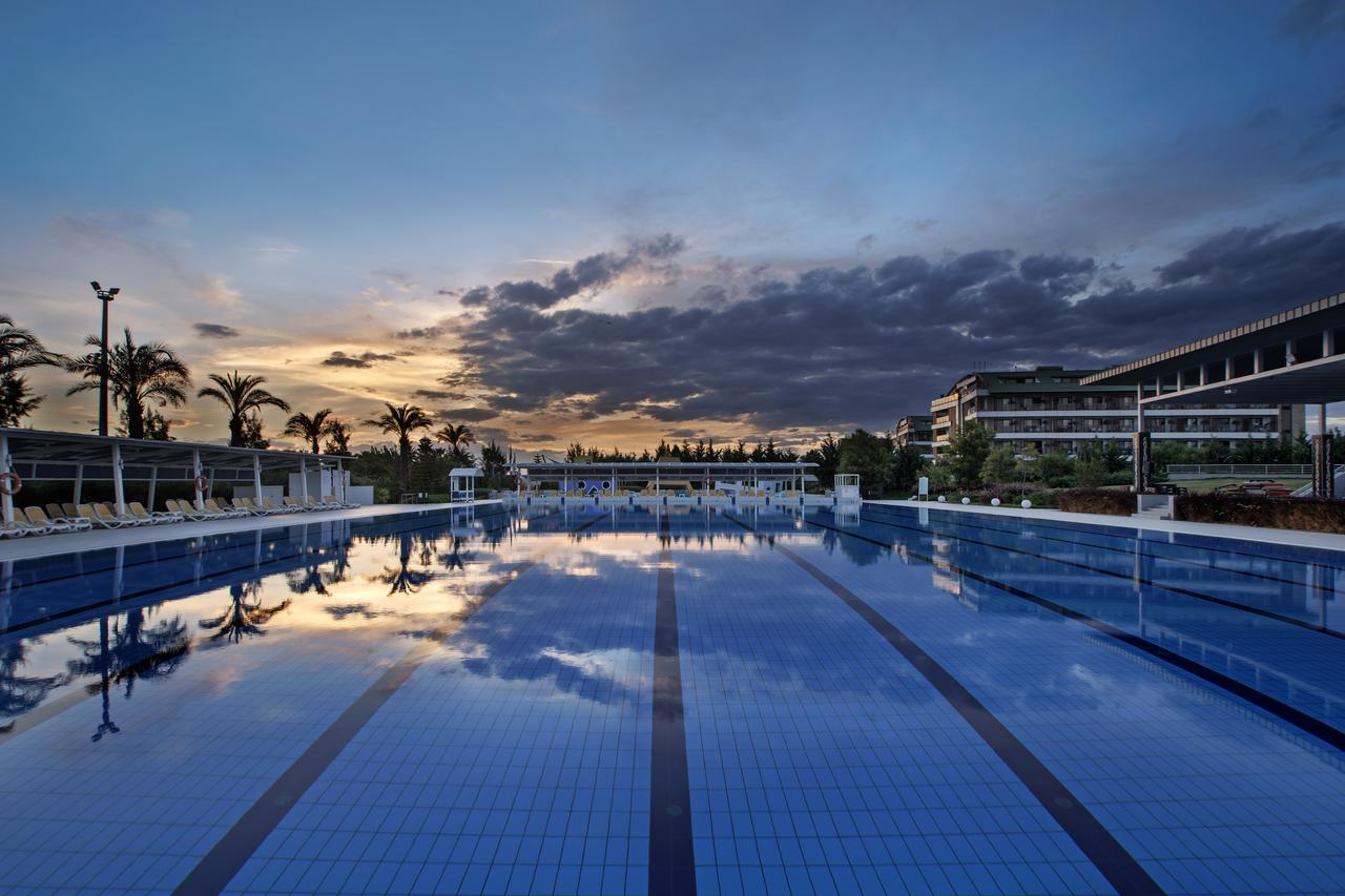 Бассейн отеля Xanthe Resort 5*  (Xanthe Resort)