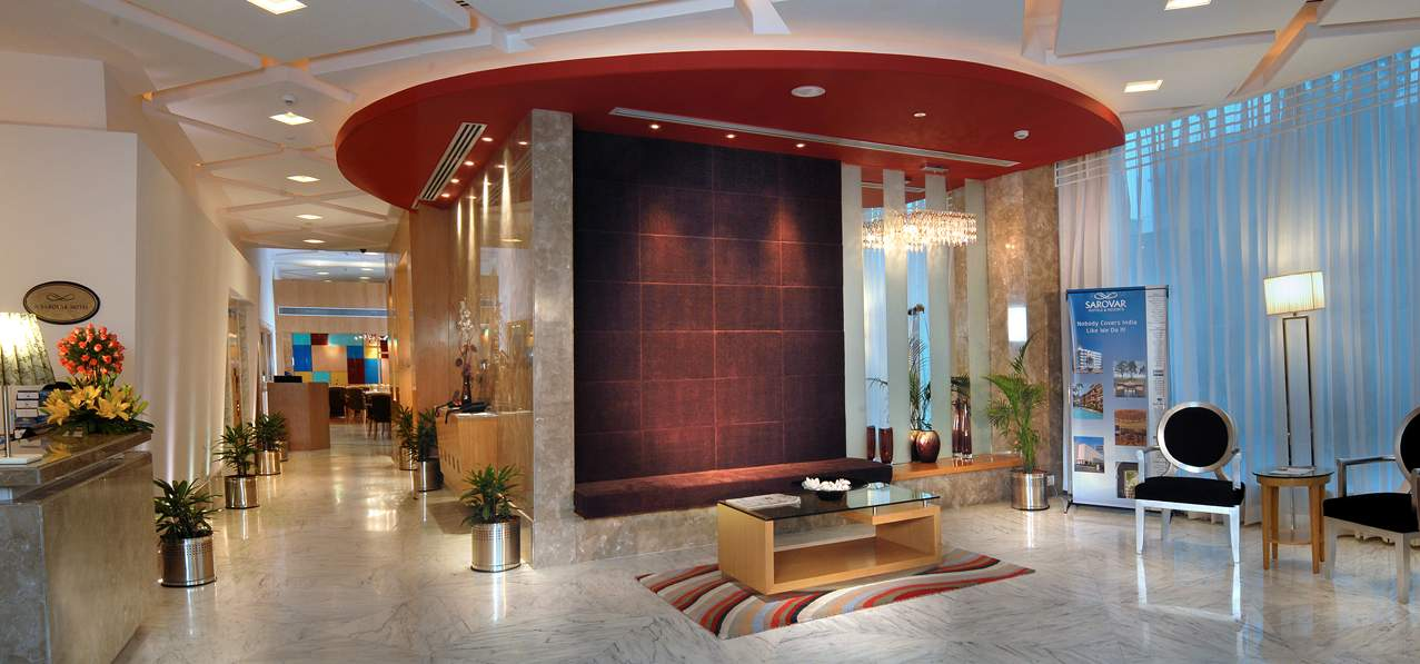 Холл отеля Golden Square Hotel 3*