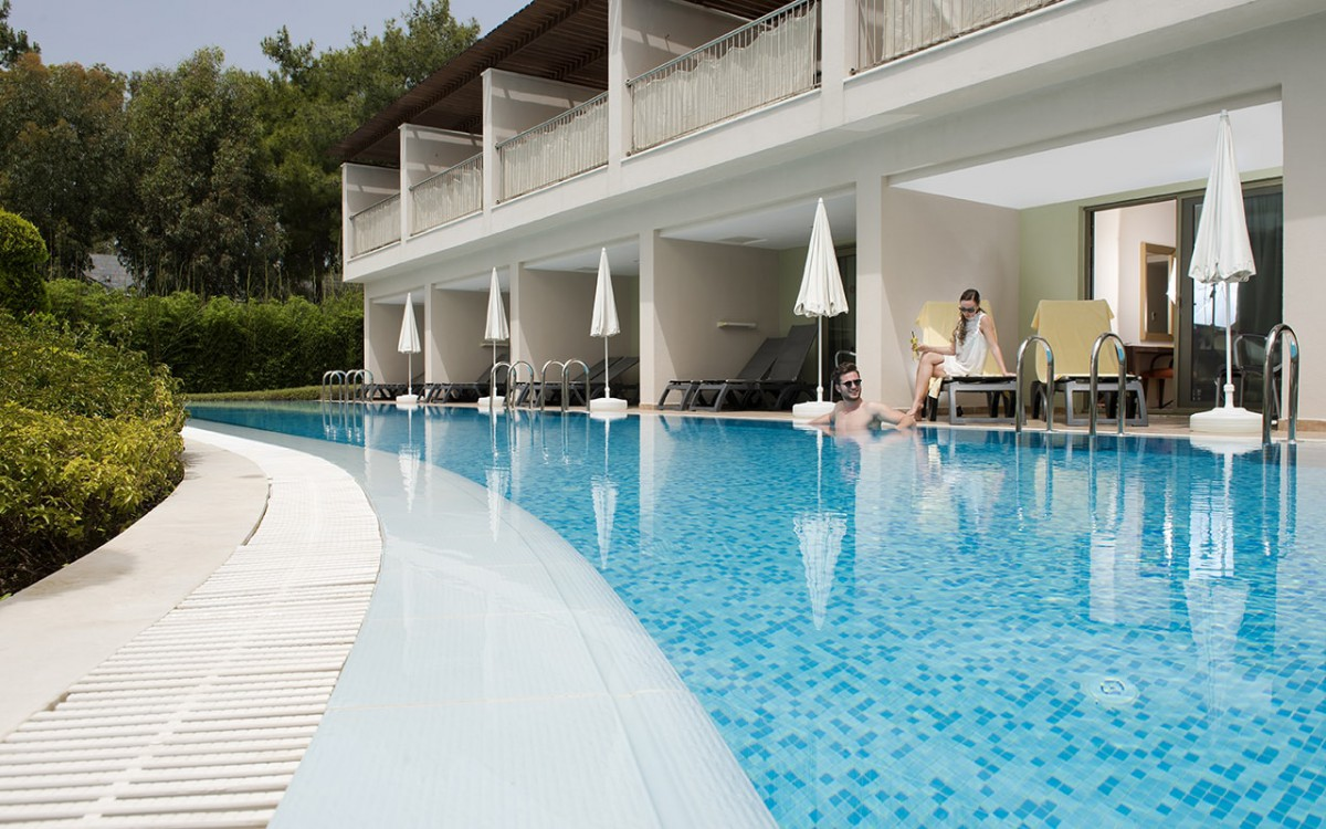 Бассейн отеля Barut Hotels Hemera Resort & Spa 5* HV1 (Барут Отель Хемера Резорт Спа)