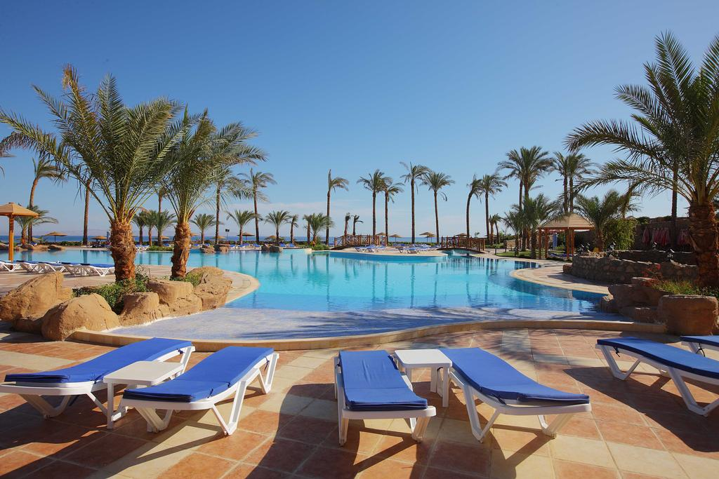 Бассейн отеля Ecotel Dahab Bay View & Spa Resort 4* + (Екотель Дахаб)