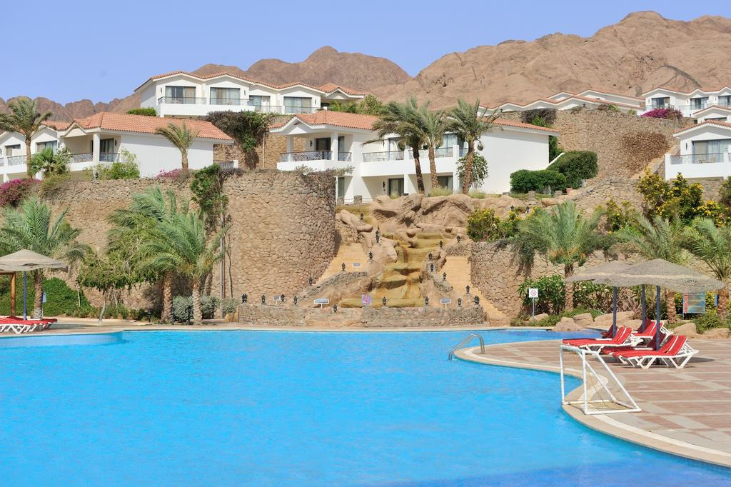 Территория отеля Ecotel Dahab Bay View & Spa Resort 4* + (Екотель Дахаб)