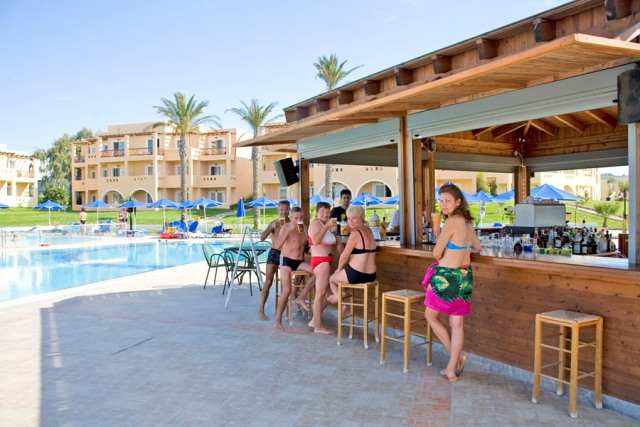 бар отеля Horizon Beach Resort 4* +