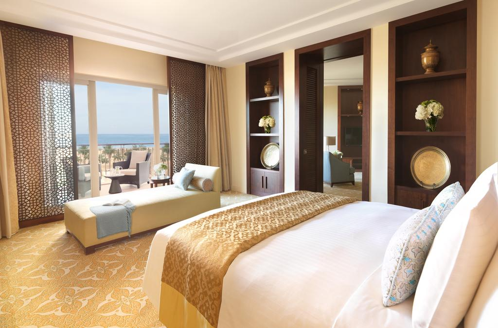 Номер отеля The Ritz Carlton Dubai 5*  (Зе Ритц Карлтон Дубаи)