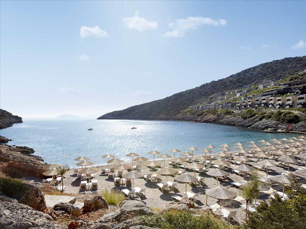 Пляж отеля Daios Cove Luxury Resort 5* HV1 (Дайос Кове Резор)