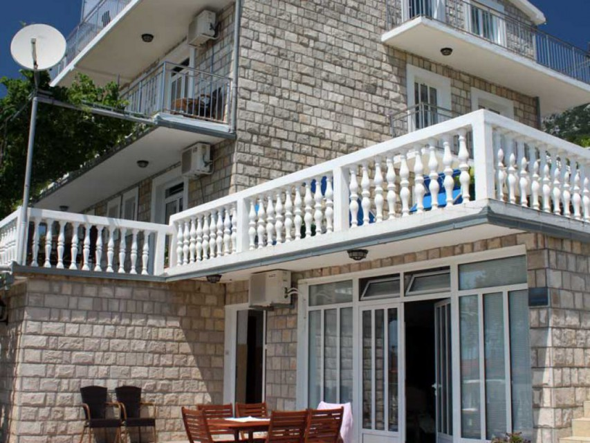 _ отеля Apartmani Dragisic Apart 4*  (Апартмени Драгисич)