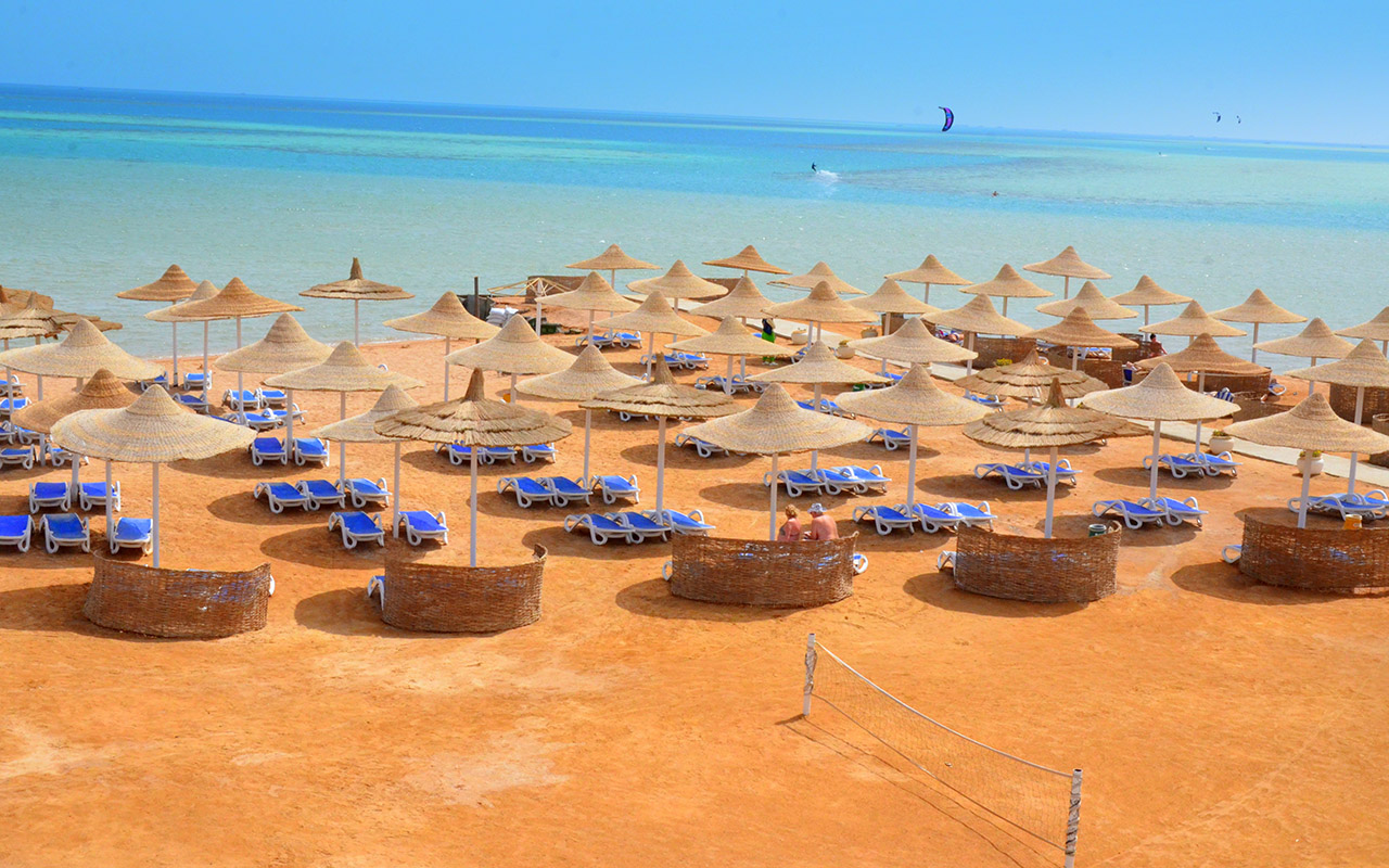 Пляж отеля Panorama Bungalows Hurghada Resort 4*  (Панорама Бунгалос Резорт Хургада)