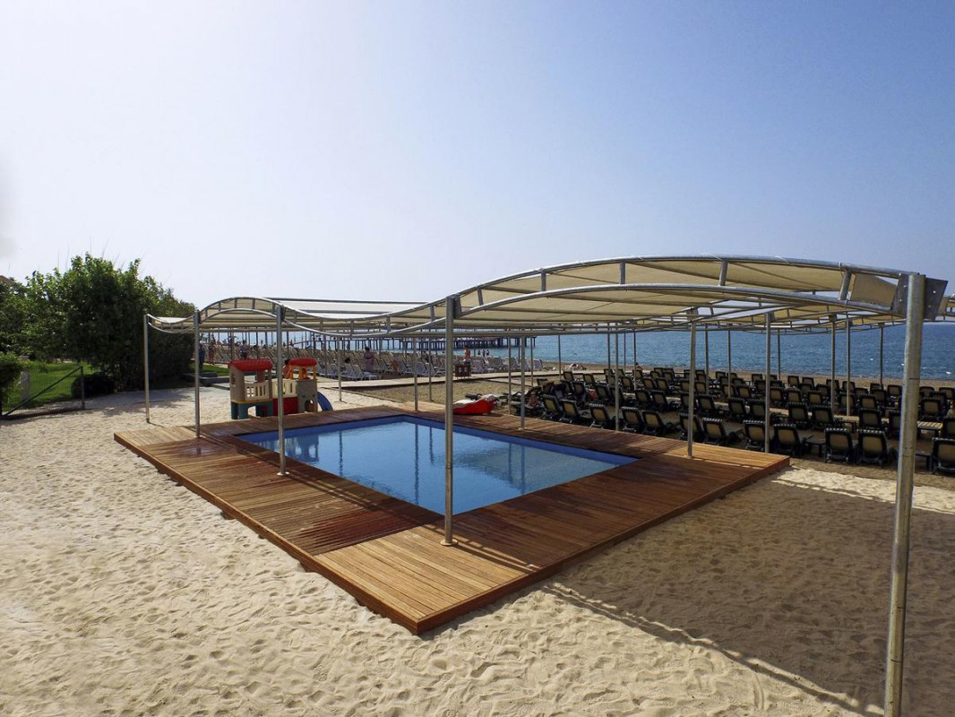 kids pool on the beach отеля Alva Donna Exclusive Hotel & Spa 5*  (Альва Донна Эксклюзив Хотел Энд Спа)
