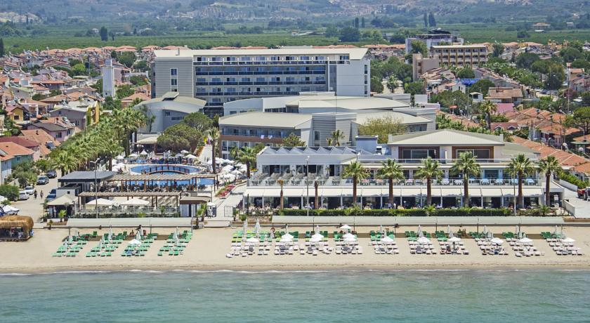 Територия отеля Palm Wings Kusadasi Beach Resort & Spa 5*  (Палм Вингс Кущадасы)