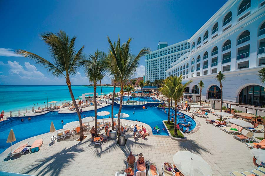 Бассейн отеля Riu Cancun 5*  (Риу Канкун)