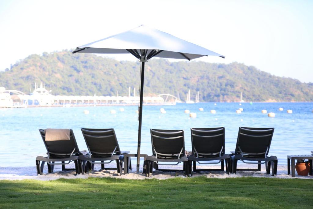Пляж отеля Club Prive By Rixos Gocek 5*  (Клуб Прайв Риксос Госек)