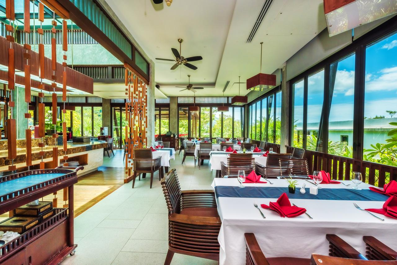Wyndham Sea Pearl Resort Phuket 5*