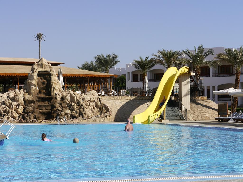 Бассейн отеля Happy Life Village Dahab 4*  (Хэппи Лайф Виллэйдж Дахаб)