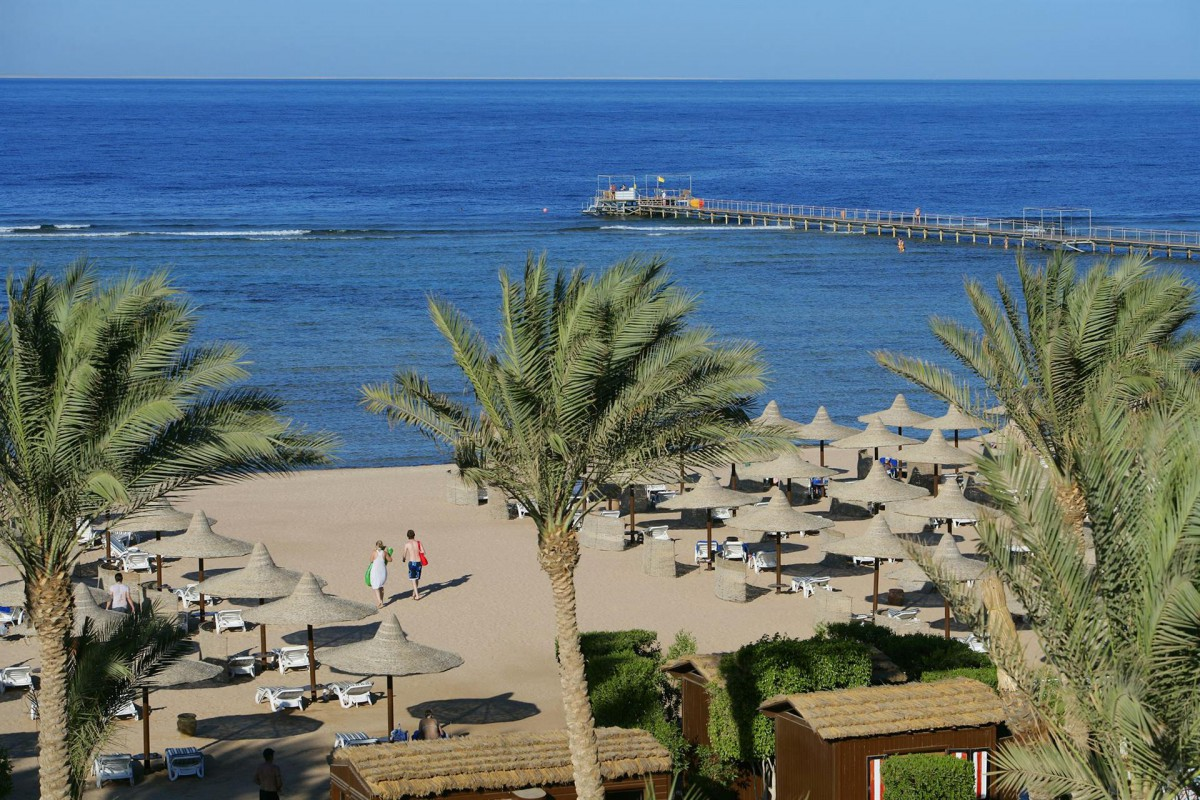 Пляж отеля Club Magic Life Sharm El Sheikh Imperial 5*  (Меджик Лайф Шарм)