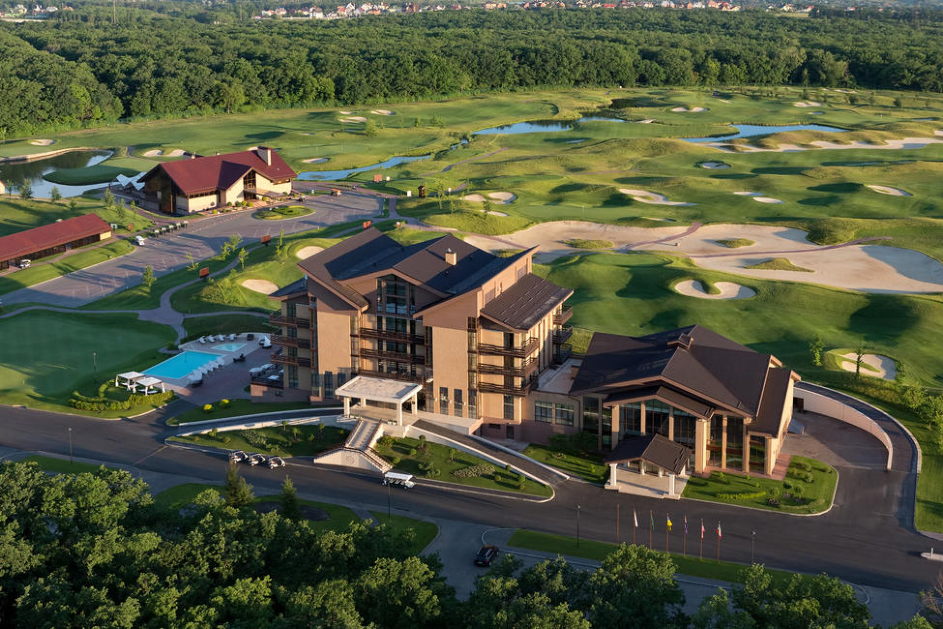 Отель Superior Golf And Spa Resort 5*  Супериор Гольф энд Спа Резорт