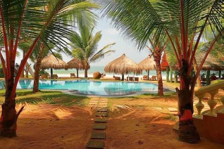Coco Royal Beach Resort 4*