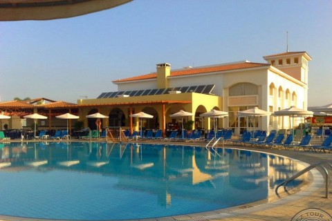 Отель Aktea Beach Village 4*  Актея Бич